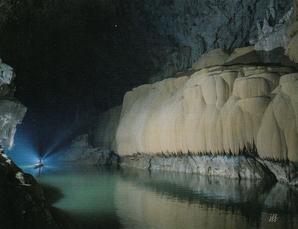 Grotte Tham Nam Fuaang, Laos